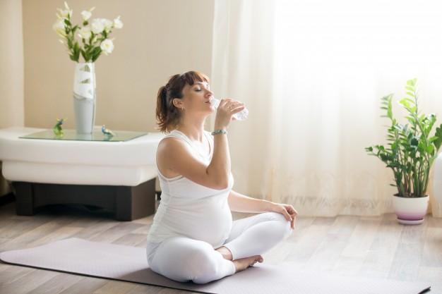 نوشیدن آب در بارداری