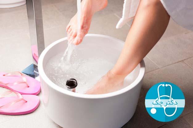حمام پا ورم پا ها در دوران بارداری را کاهش می دهد