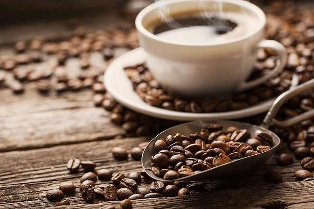 نوشیدن قهوه ناشتا