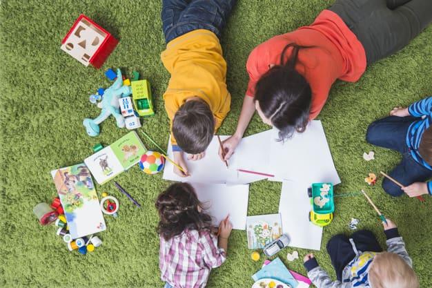 مراقبت و آموزش کودکان