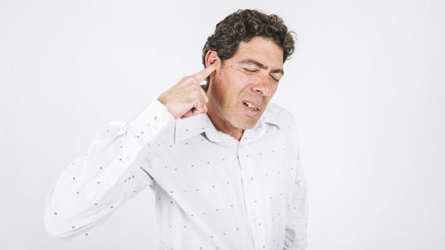 علت جوش داخل گوش