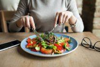 عادت های غلط بعد از غذا خوردن